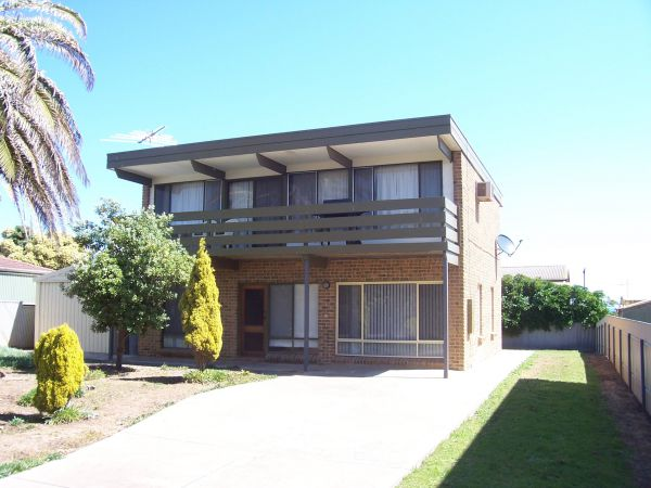 Century 21 SouthCoast Silver Sands - Foster Accommodation