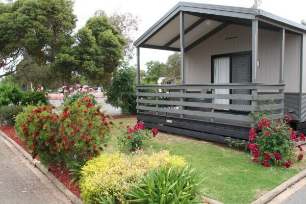 BIG4 Shepparton Park Lane Holiday Park - Foster Accommodation