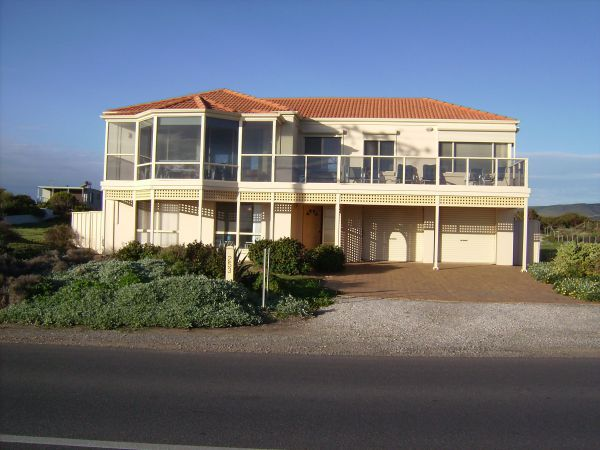 Century 21 SouthCoast Hayman - Foster Accommodation