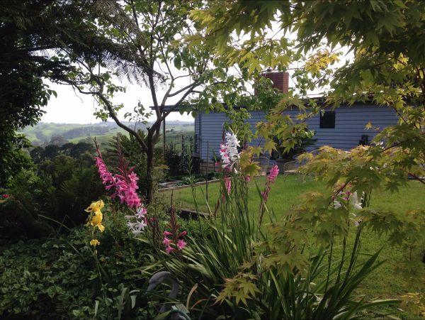 Halcyon Cottage Retreat - Self Contained Accommodation - Foster Accommodation
