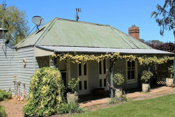 Drayshed Cottage - Foster Accommodation
