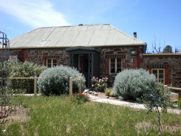 Olive Grove Retreat - Foster Accommodation