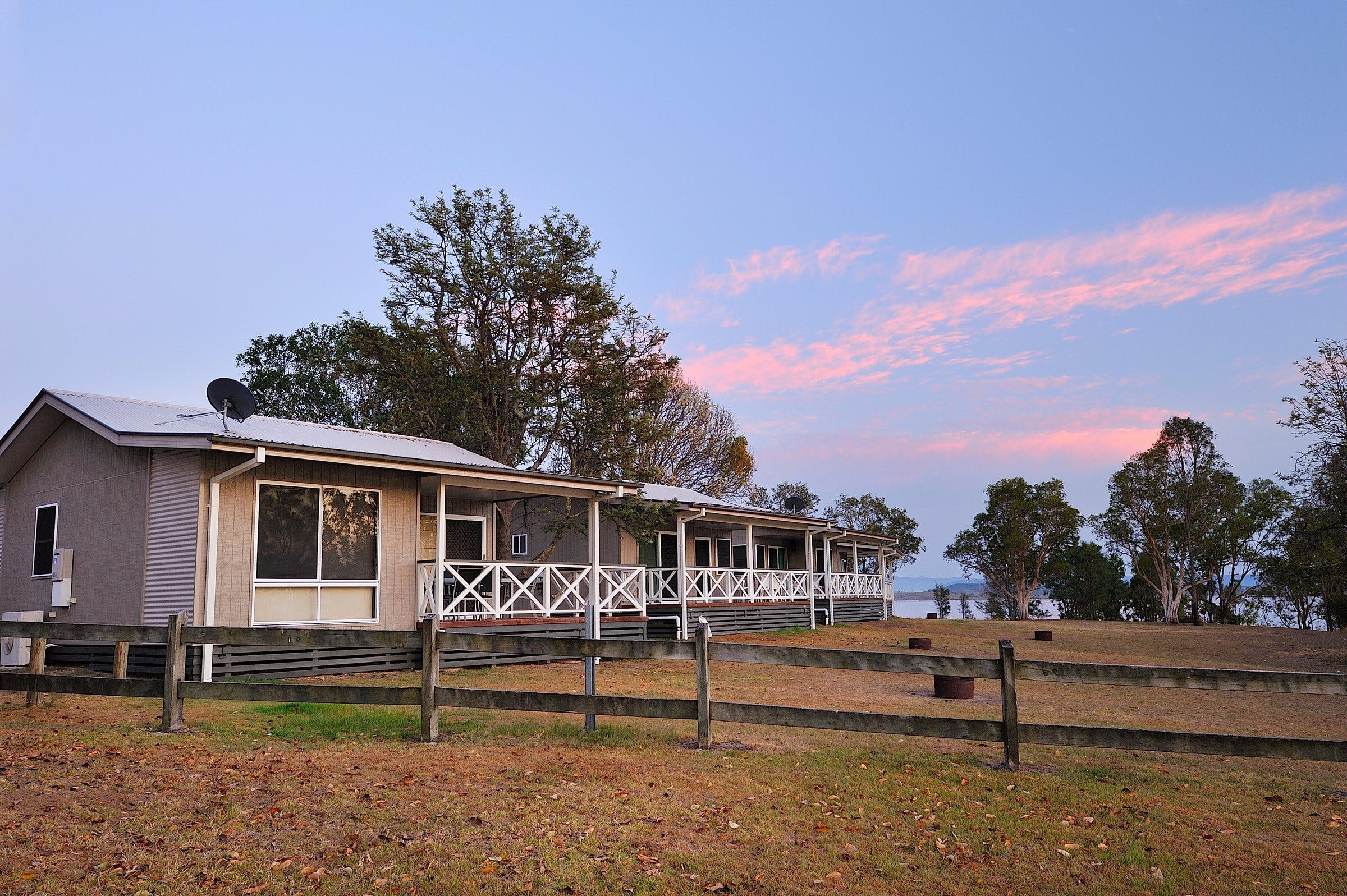 NRMA Lake Somerset Holiday Park - Foster Accommodation