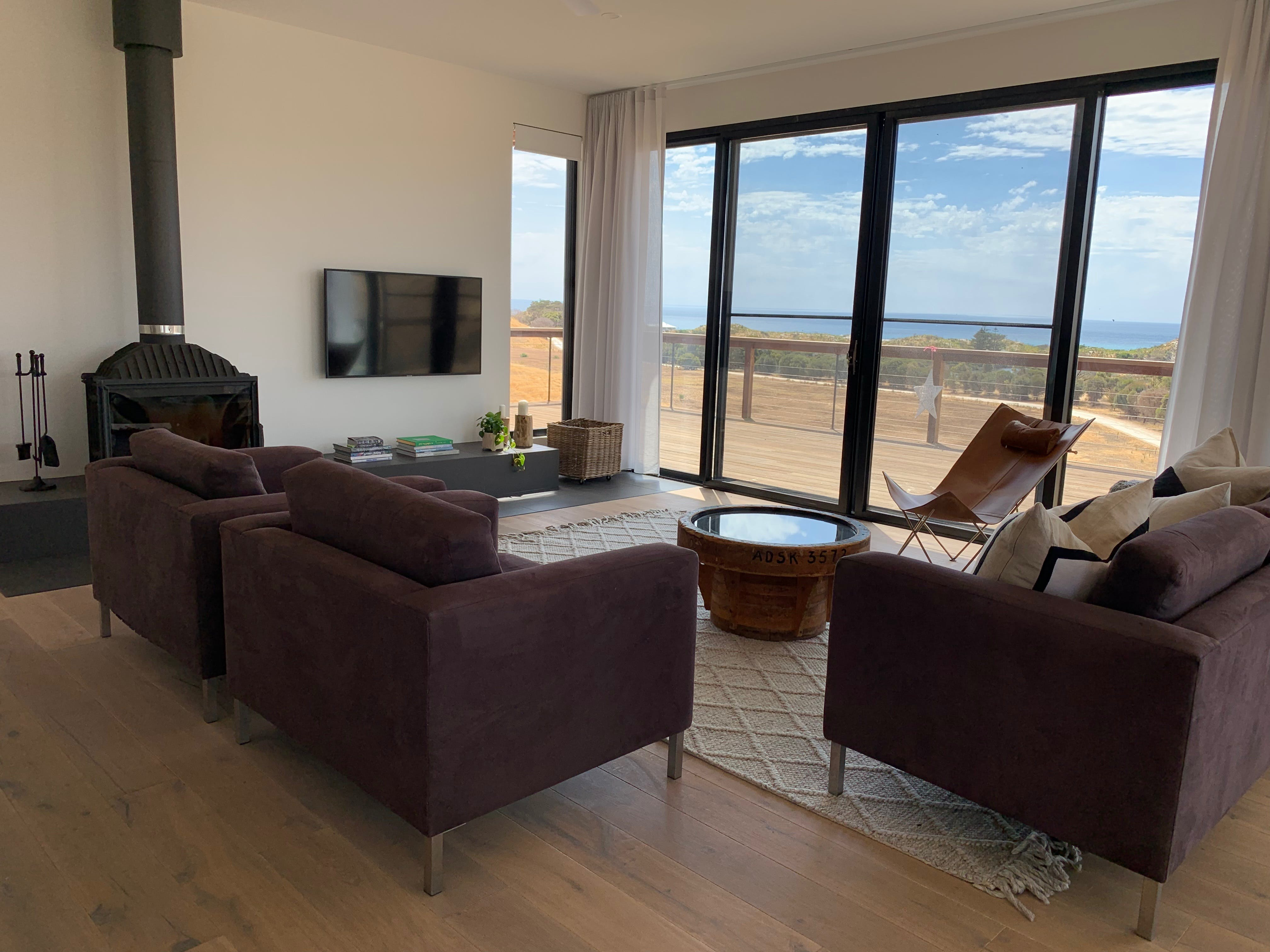 Topdeck at Snelling Beach - Foster Accommodation