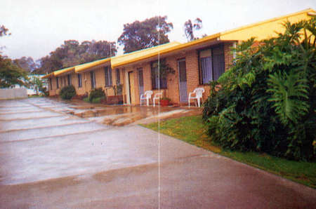 Clovelly Holiday Units - Foster Accommodation