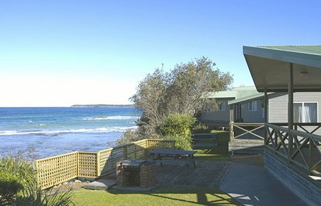 Berrara Beach Holiday Chalets - Foster Accommodation