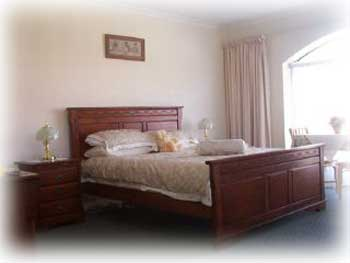 Palm Beach Bed And Breakfast - Foster Accommodation