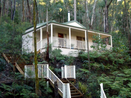 Myers Creek Cascades Luxury Cottages - Foster Accommodation