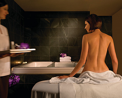 Four Seasons Hotel Sydney Spa - Foster Accommodation