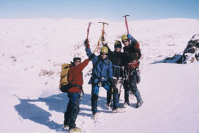 High and Wild Mountain Adventures - Foster Accommodation