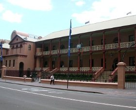 Parliament House - Foster Accommodation