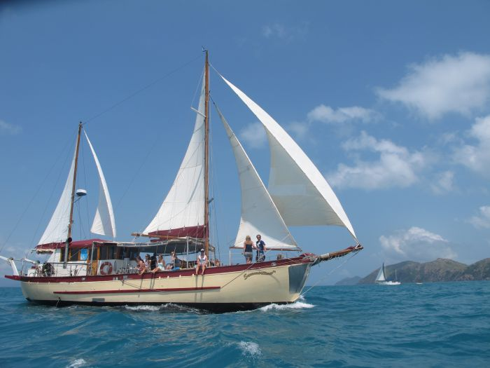 Adventure Cruise Dive and Outer Reef - Whitsundays Sailing Adventures - Foster Accommodation