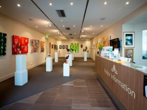 Australian National Botanic Gardens Visitor Centre Gallery - Foster Accommodation