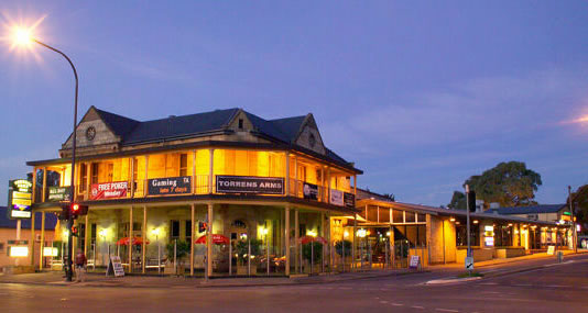 Torrens Arms Hotel - Foster Accommodation