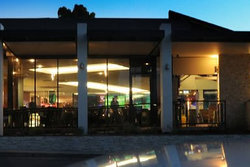 Modbury Plaza Hotel - Foster Accommodation