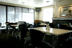 Kains Bar  Riverview Hotel - Foster Accommodation