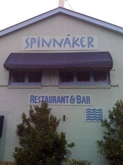 Spinnaker Restaurant and Bar - Foster Accommodation