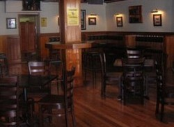 Jack Duggans Irish Pub - Foster Accommodation