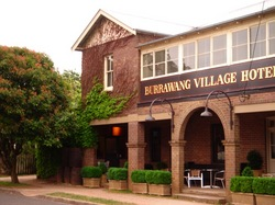 Burrawang Village Hotel - Foster Accommodation