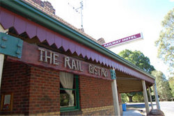 Railway Hotel - Foster Accommodation
