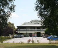 Bendemeer Hotel - Foster Accommodation