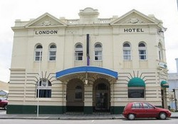 The London Hotel - Foster Accommodation
