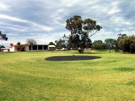 Cleve Golf Club - Foster Accommodation