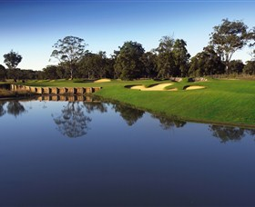 Kooindah Waters Golf Club - Foster Accommodation