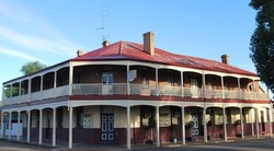 Brookton Club Hotel - Foster Accommodation