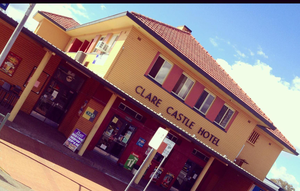 Clare Castle Hotel - Foster Accommodation