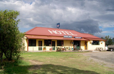 Farmers Hotel - Foster Accommodation
