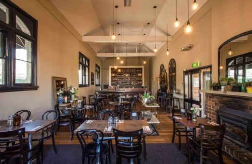 Union Bank Wine Bar - Foster Accommodation