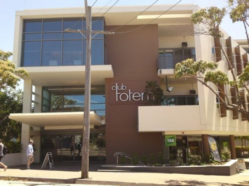 Club Totem - Foster Accommodation
