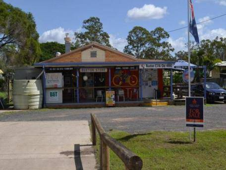 Buxton General Store - Foster Accommodation