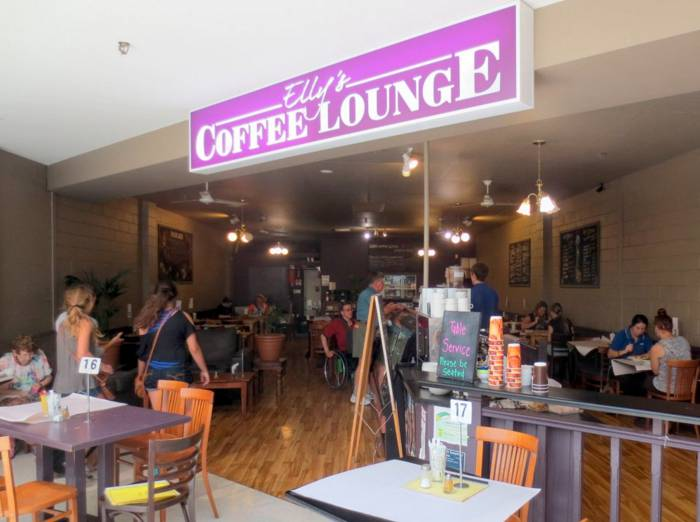 Ellys Coffee Lounge - Foster Accommodation