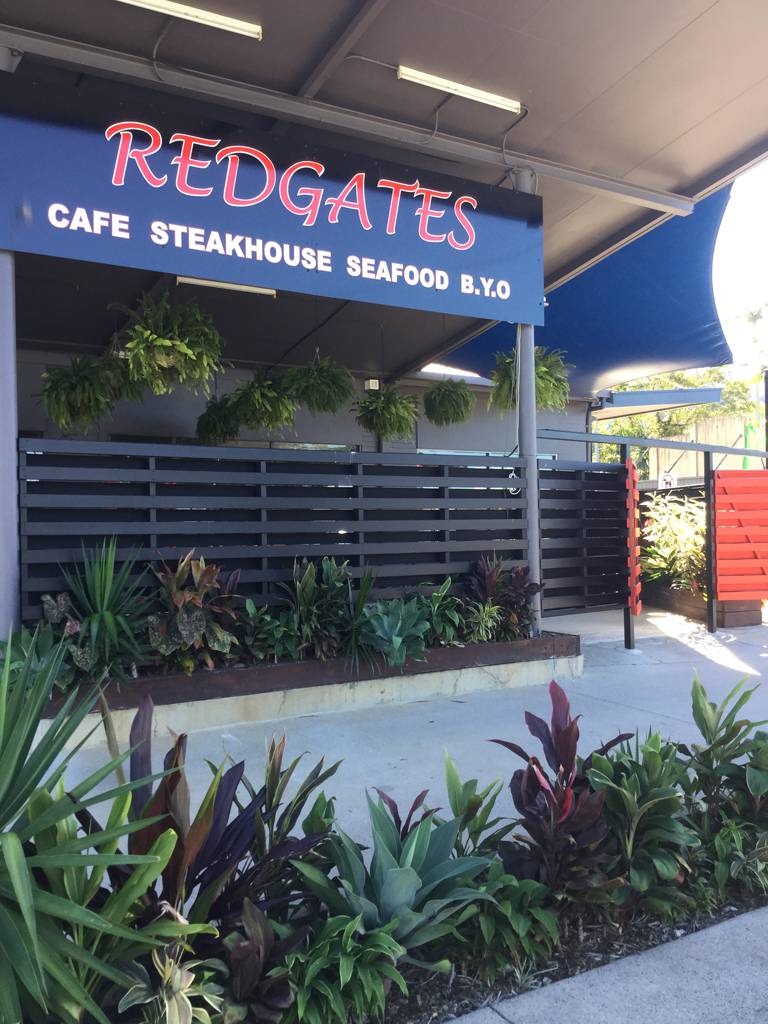 Redgates Caf Steakhouse Seafood - Foster Accommodation