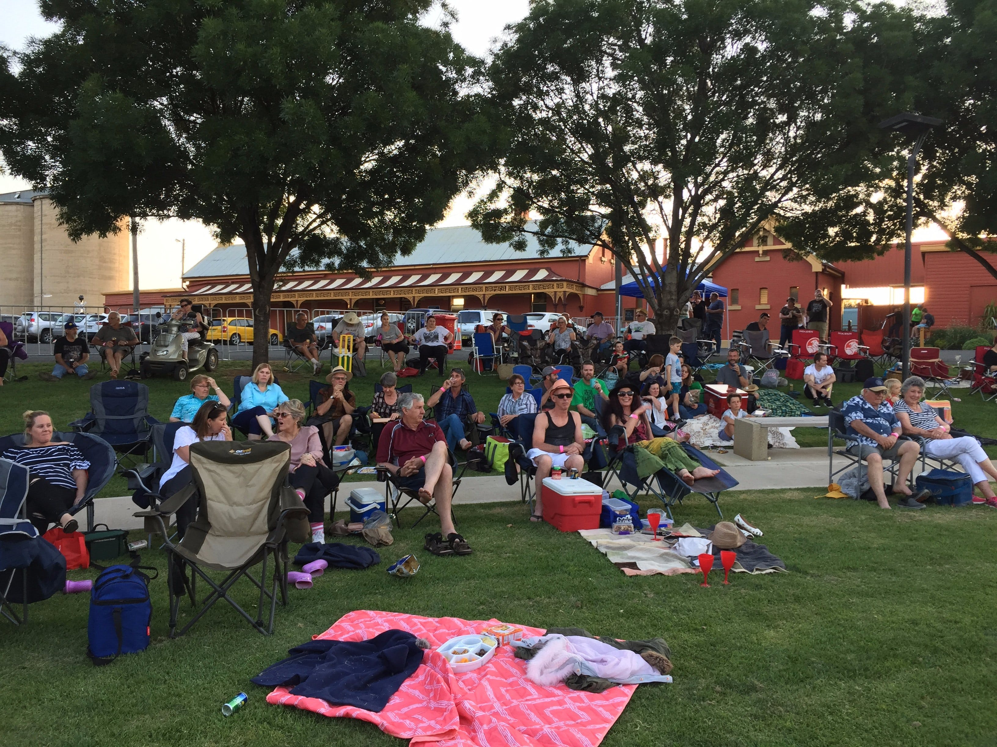 Temora New Years Family Fun Night - Foster Accommodation