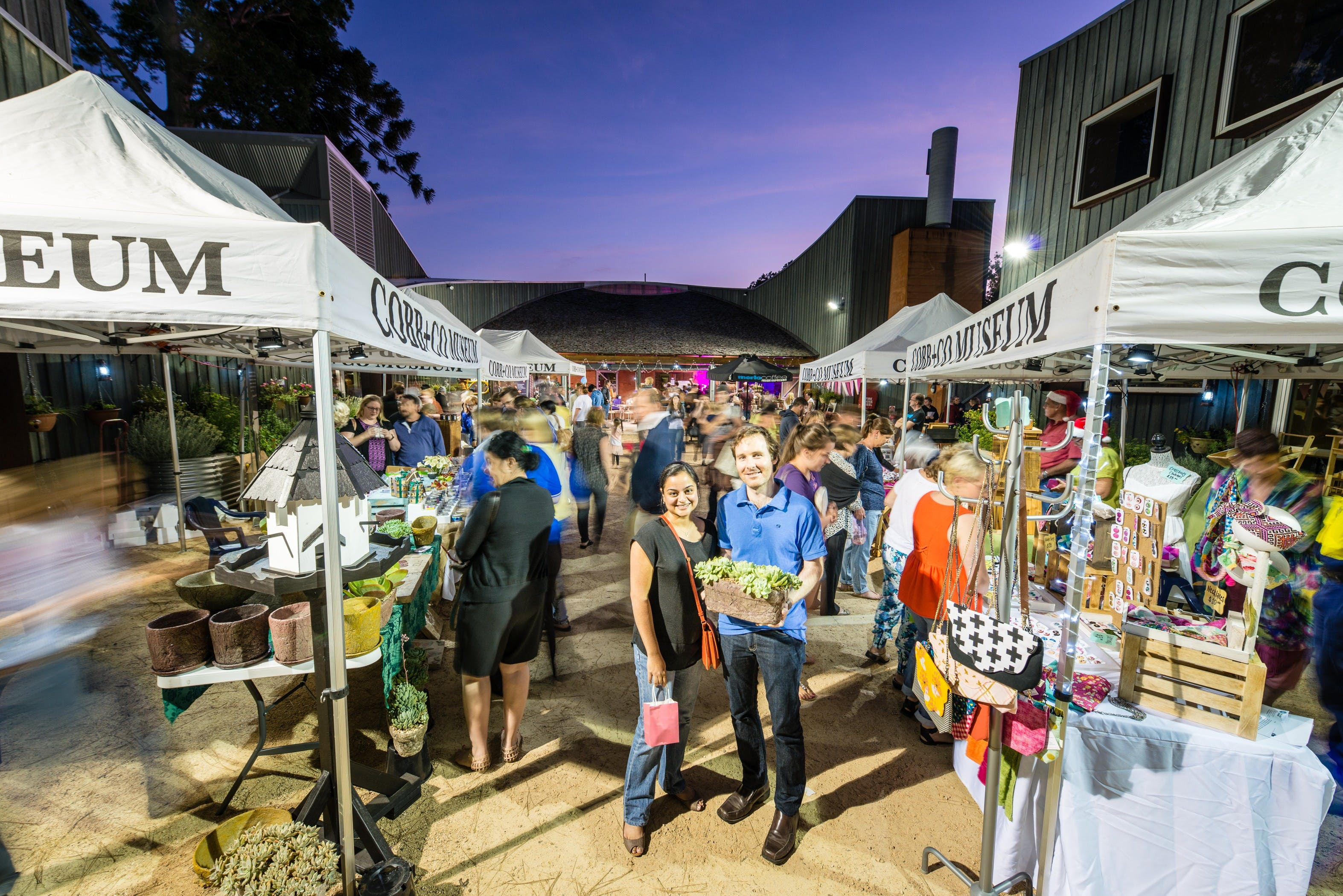 Hand Made Under the Stars - Twilight Market - Foster Accommodation