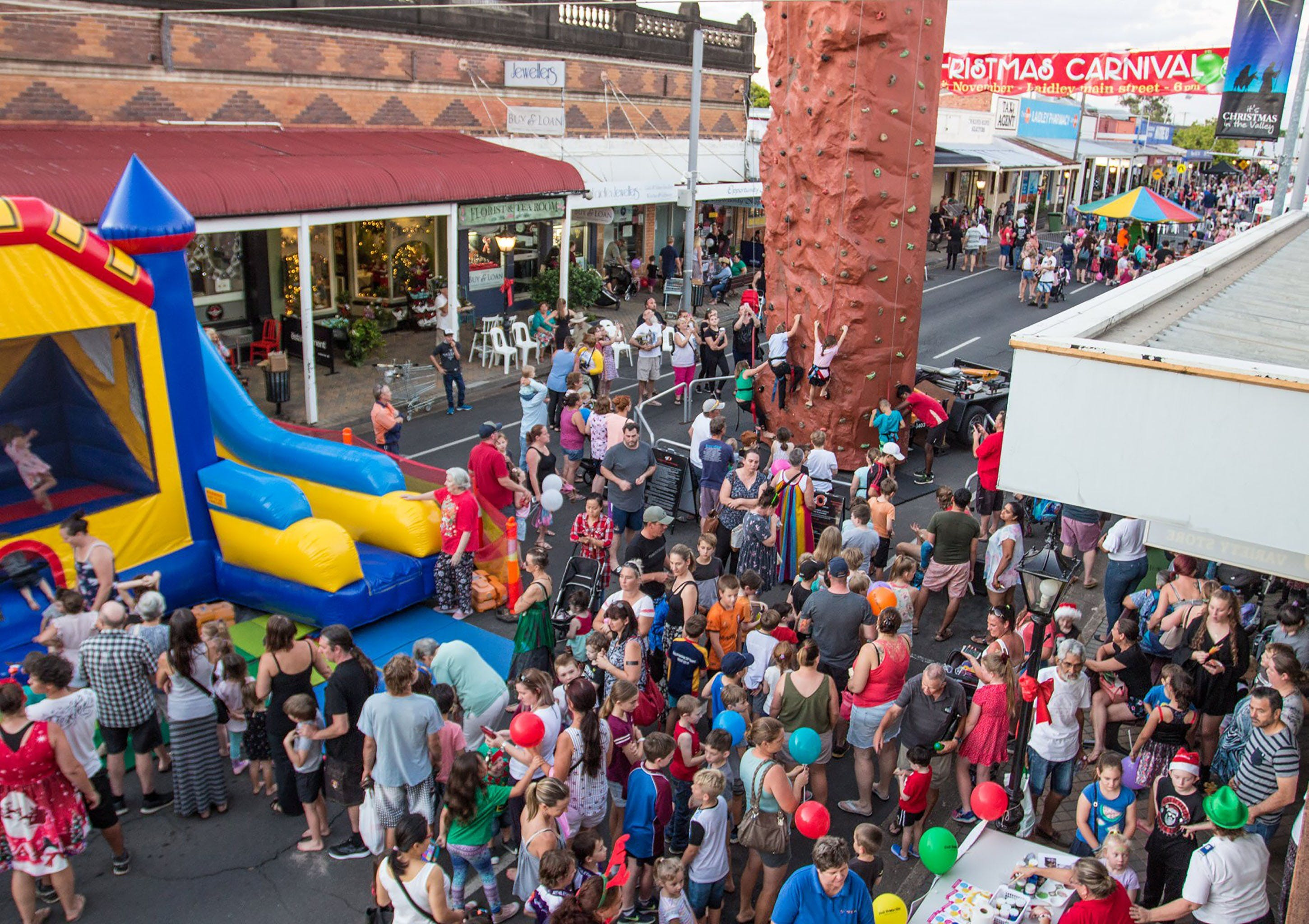 Laidley Christmas Street Festival - Foster Accommodation